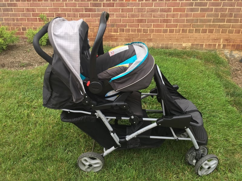 Graco DuoGlider click connect stroller and car seat with bases. d1a9cafb-36c6-43c0-aae8-0699b6046830