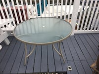Round Patio table with 3 chairs  North Baldwin, 11510