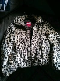 Girls 7\8 coat Dundalk, 21222