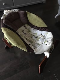 Barely used baby chair  Calgary, T3C 0X6