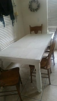 Farmhouse Dining Table and Chairs Las Vegas, 89178