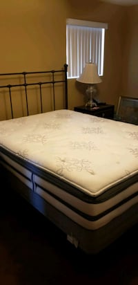 white and black Pillow top Queen size Matt North Las Vegas, 89031