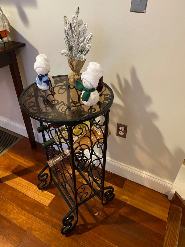 Wine rack table 1