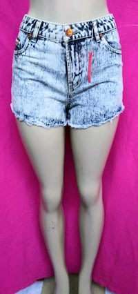 NEW SHORTS SIZE 6 ( fits like a SMALL ) South El Monte, 91733