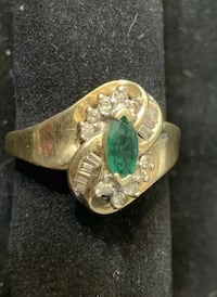 Emerald Diamond Ring . 10 k .