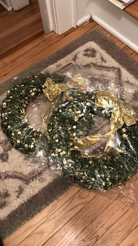 2 brand new never used Christmas wreaths New Brunswick, 08901