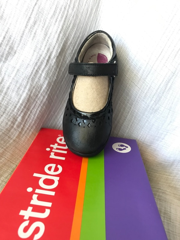 Girls shoes Stride rite (size10W) 8f69e9fe-9ddd-44aa-a624-a3d663e98185