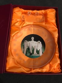 Abraham Lincoln Crystal plate with stand Toronto, M2J 2C4