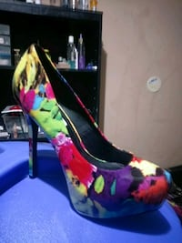 unpaired black and pink floral platform stiletto Birmingham, 35207