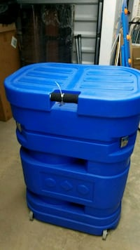 blue plastic container with lid Rockville, 20850