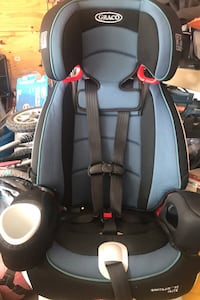 Forwarded facing booster car seat