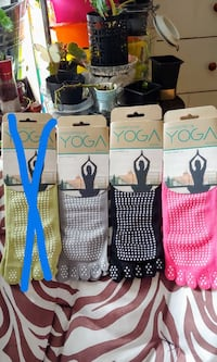 YOGA SOCKS SIZE 5-10 10$/ALL 4 AT 35$ Ottawa, K1G 3P6