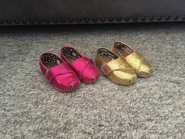 edb9bc7adae Used Girls toms glitter size 5 toodler with Velcro for sale in ...