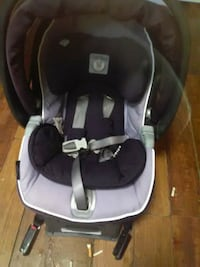 baby's gray and black car seat Edmonton