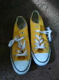 pair of yellow Converse All Star low-top sneakers Greenville, 29611