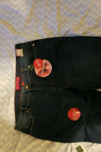 Brand new name brand Glo jeans Greater Sudbury, P3E 2E6