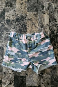 Toddlers shorts size 5t