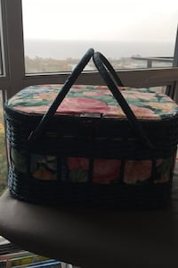 Beautiful sewing basket - never used Toronto, M8V 0E3