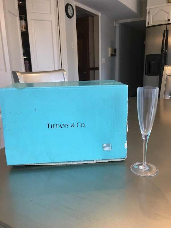 cf50f9ffdd19b Tiffany Set Of 4 mouthblown crystal champagne flutes Never Used w box