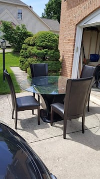 Dining room set with 4 chairs  Silver Spring, 20904