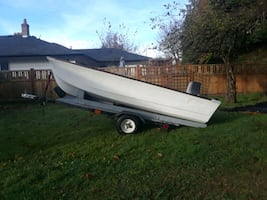10' Hourston boat w/ trailer
