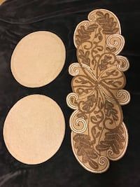 """3 pieces high quality beads and sequins  table mats 35"""" runner with 2 round 15"""" pick up in Gaithersburg md20877 Gaithersburg"""