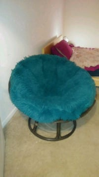 BASKET CHAIR - EXCELLENT CONDITION!!
