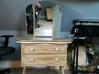 1950's dressing table chalk painted with porcelain Harrisburg, 97446