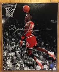 MICHAEL JORDAN Signed Chicago Bulls Official NBA Basketball Photo Toronto