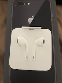 Ear buds off a iPhone 8 Stanton, 90680