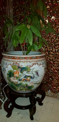 Chinese ceramic pot big size with wooden stand  Richmond, V6Y 3Y7