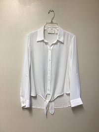 Women's CHICOS white button up sleeve 100% polyester blouse..Size-0 Manasquan, 08736