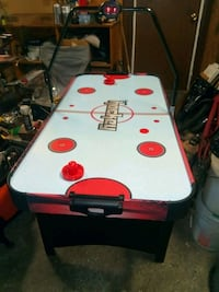 Air hockey table. Electronic scoring. Negotiable