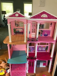 pink and white doll house 59 mi