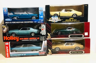 1/18 Die Cast Metal Cars High Quality and awesome details!
