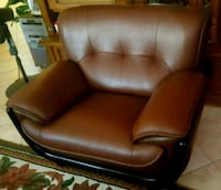 Upscale leather couch and armchair set Las Vegas, 89141