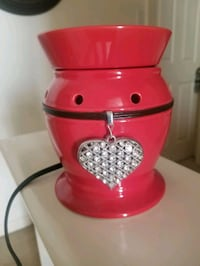 Scentsy BE MINE Red Rhinestone Heart RETIRED Full Size Warmer.  Dover, 17315