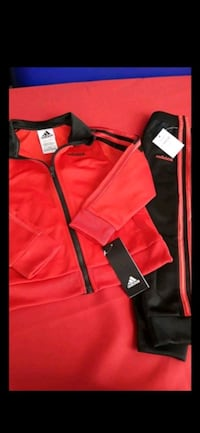 Adidas outfit size 3t  Stockton, 95215