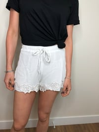 White Lace Shorts Hampstead, H3X 1K5