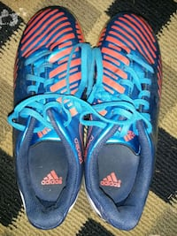 Adidas indoor soccer shoes  Montréal, H1K 3R3