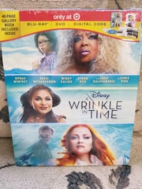 A wrinkle in time blue ray+ dvd+ digital code and 40 pages gallery bok