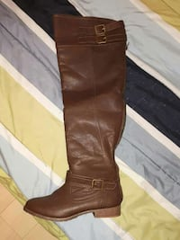 women's unpaired brown leather knee boots Quispamsis, E2E 4J9