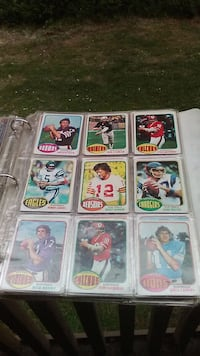nine assorted football trading cards Seattle, 98168