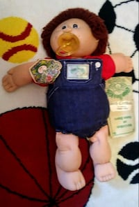 Cabbage Patch doll with birth certificate 842 mi