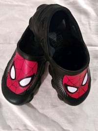 Marvel Spiderman clogs. Boys size 13. Never been worn.