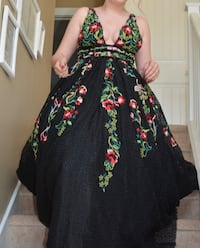 STUNNING Jiovani gown for any special occasion - MUST SEE - BEAUTIFUL Edmonton, T6X 0J1