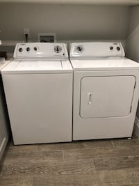white clothes washer and dryer set Toronto, M9B 1G4