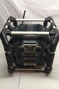 Bosch power box with 18v battery construction site stereo