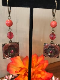 Pretty Vintage Coral Color Earrings Gainesville, 20155
