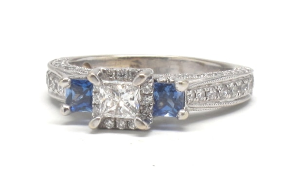 Ladies Tanzanite Diamond Ring